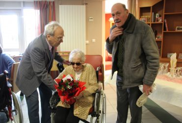 102 ans de Raymonde Constant notre doyenne douchynoise !